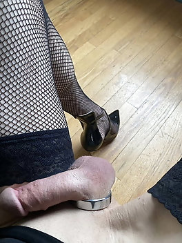 Tranny chick loves to take part in porn