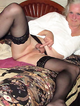 Elegant sluts are posing undressed at home