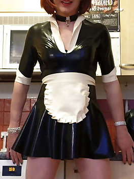 Sissy Lucy is a Latex Maid in Chastity